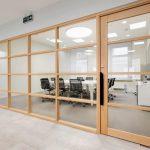 Достоинства натуральных материалов: оформление офиса Farfetch